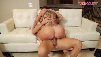 Nicelooking babe mum are sharing a lusty knob